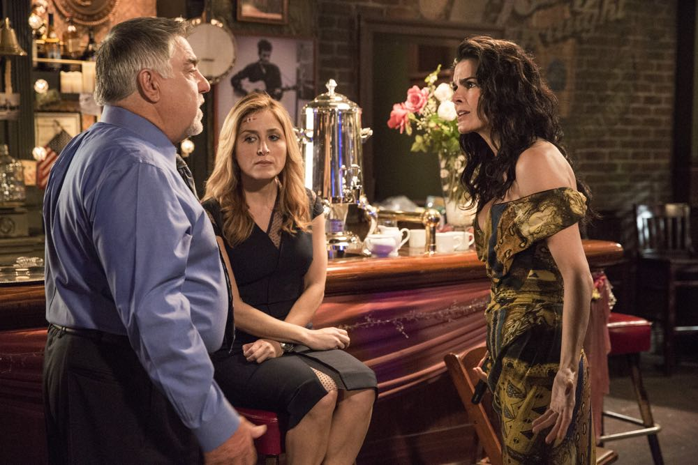 RIZZOLI ISLES Season 7 Episode 1 Photos Two Shots Move Forward 1 1