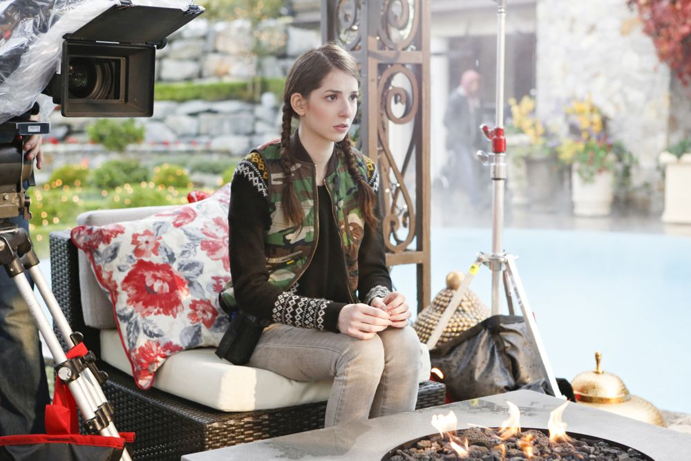 """UnREAL Ep. 201/202 - """"War"""" & """"Insergent"""" - Day 5 of 15, March 11, 2016, Surrey, BC, Canada"""