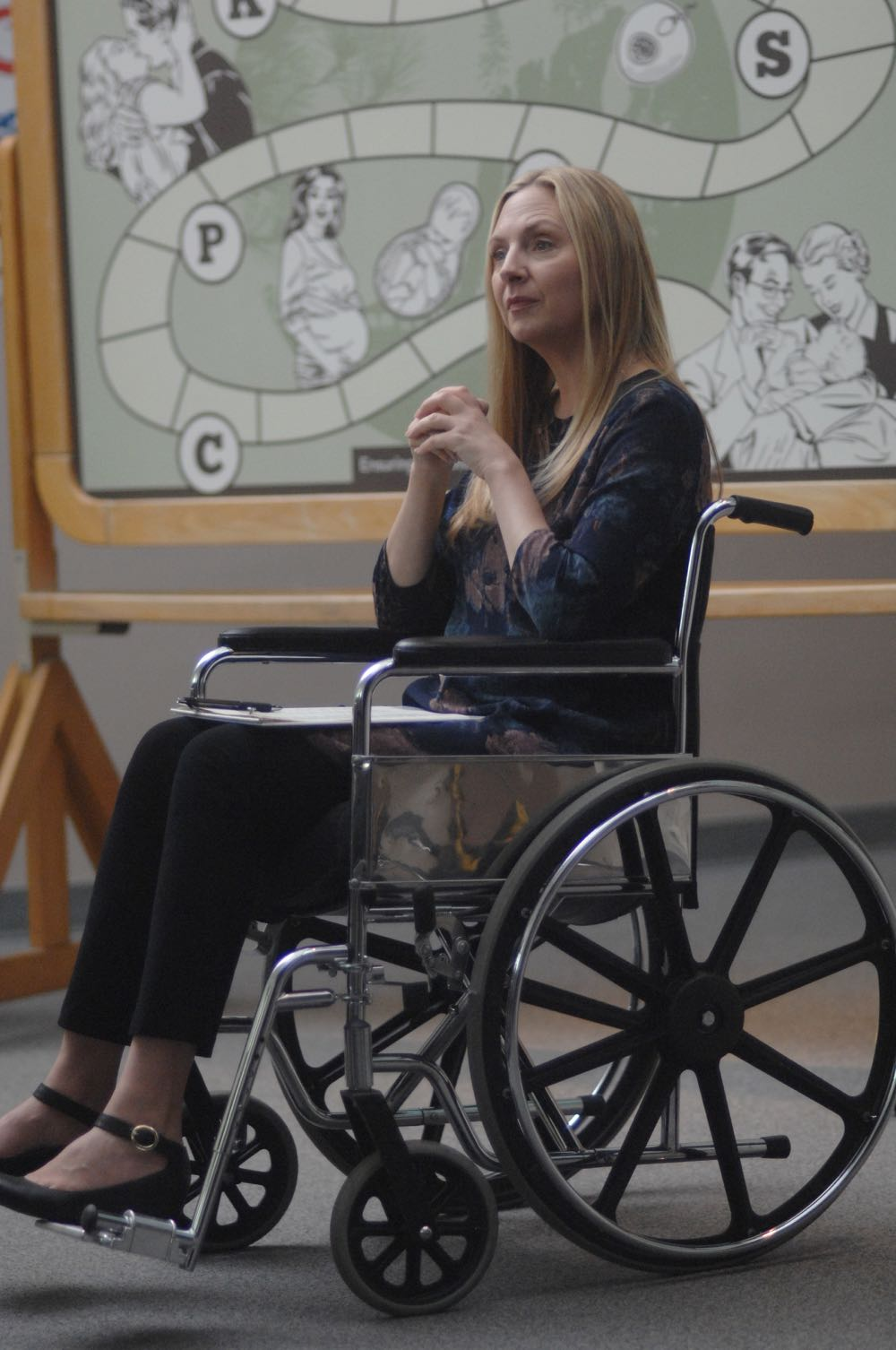 "WAYWARD PINES: Hope Davis in the ""Once Upon A Time in Wayward Pines"" episode of WAYWARD PINES airing Wednesday, June 8 (9:00-10:00 PM ET/PT) on FOX. ©2016 Fox Broadcasting Co. Cr: Sergei Bachlakov/FOX"