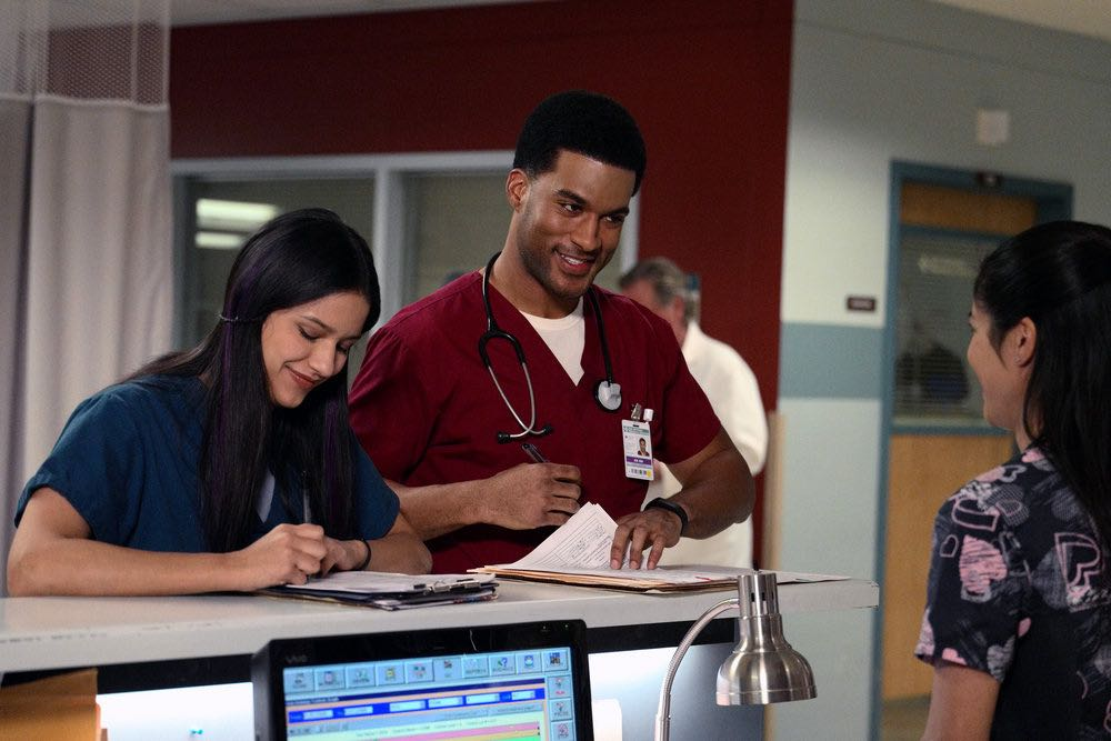 """THE NIGHT SHIFT -- """"The Thing With Feathers"""" Episode 302 -- Pictured: (l-r) Tanaya Beatty as Shannon Rivera, JR Lemon as Kenny Fournette -- (Photo by: Ursula Coyote/NBC)"""