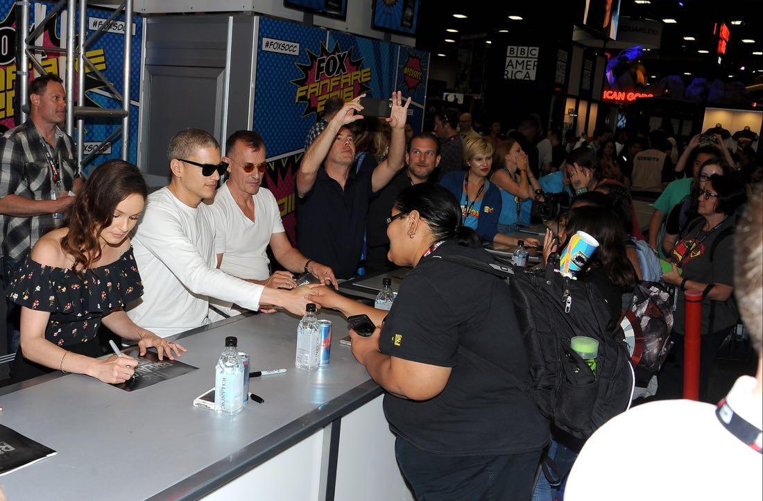 FOX FANFARE AT SAN DIEGO COMIC-CON © 2016: L-R: PRISON BREAK cast members Sarah Wayne Callies, Wentworth Miller and Robert Knepper during the PRISON BREAK booth signing on Sunday, July 24 at the FOX FANFARE AT SAN DIEGO COMIC-CON © 2016. CR: Scott Kirkland/FOX © 2016 FOX BROADCASTING