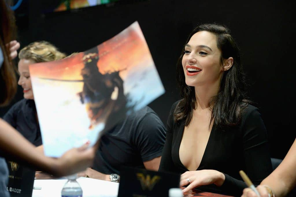 Wonder Woman San Diego Comic Con 2016-09