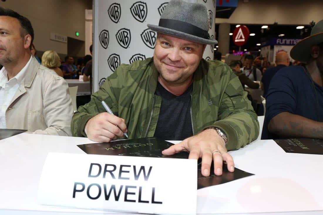 Gotham Cast San Diego Comic Con 2016-12
