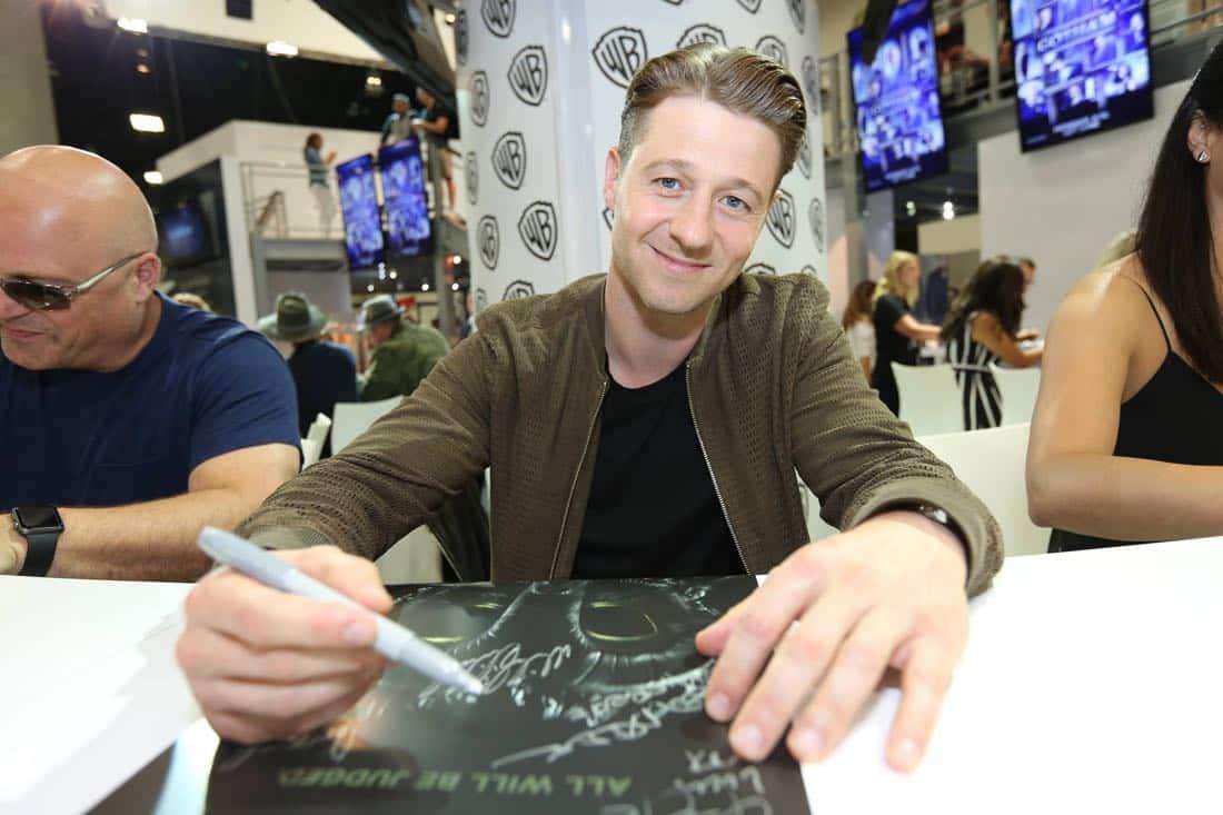 Gotham Cast San Diego Comic Con 2016-05