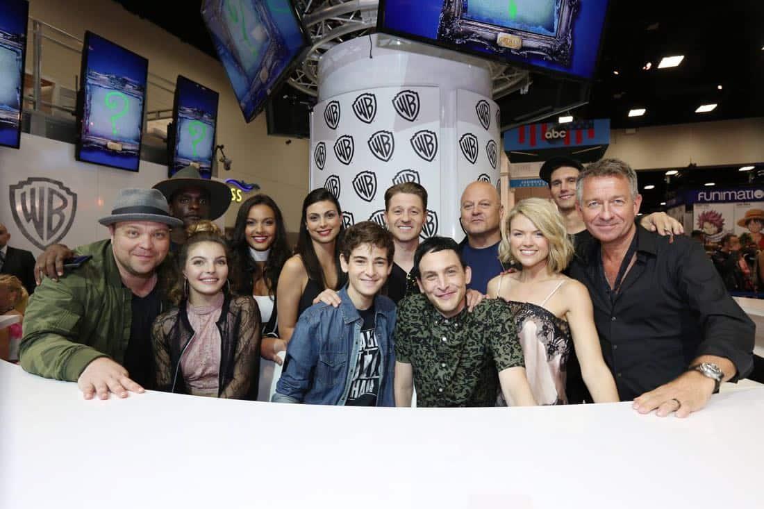 Gotham Cast San Diego Comic Con 2016-01