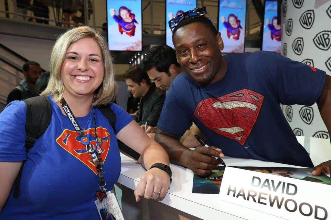 Supergirl San Diego Comic Con 2016-01