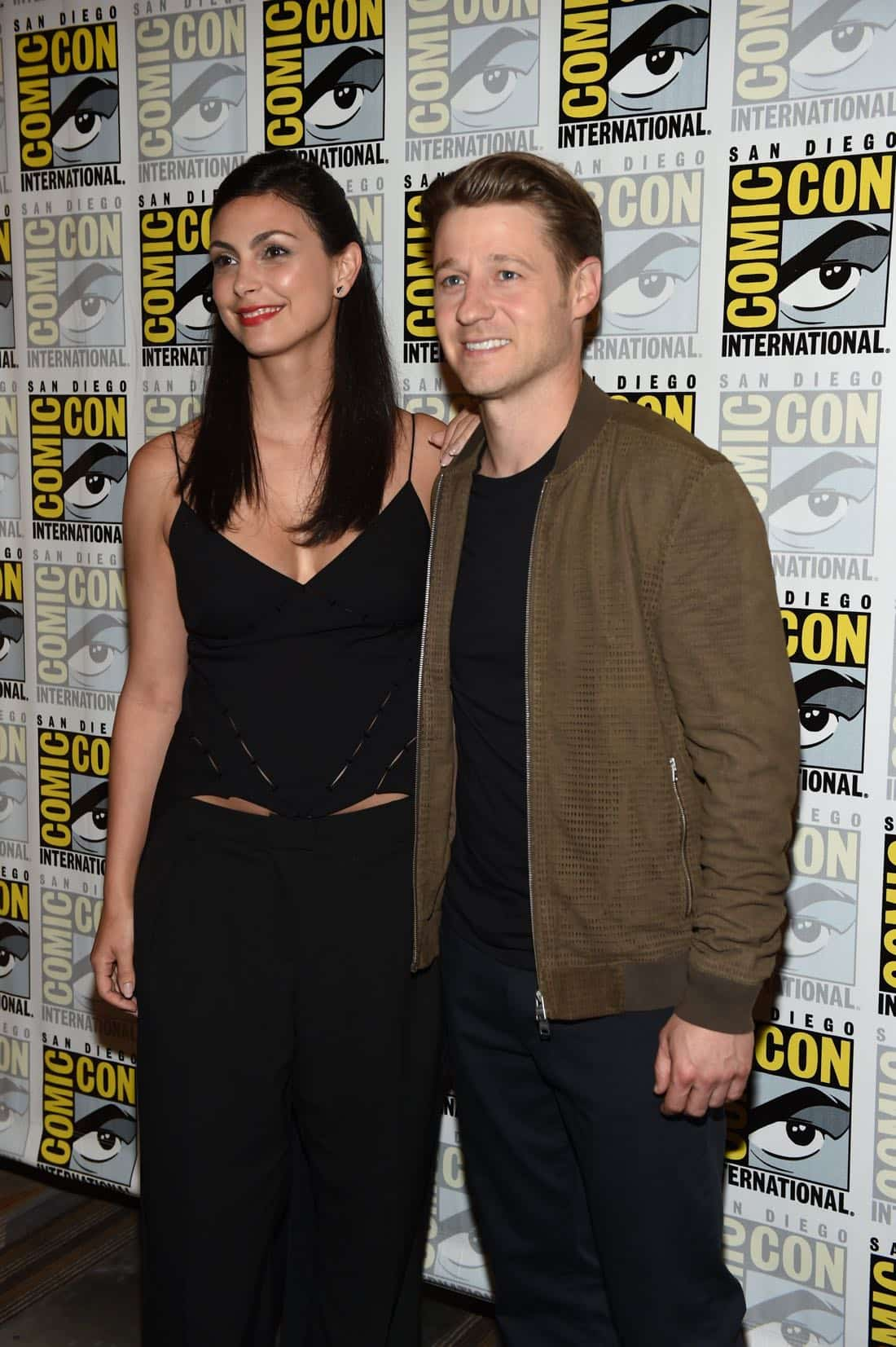 FOX FANFARE AT SAN DIEGO COMIC-CON © 2016: GOTHAM cast members Morena Baccarin and Ben McKenzie during GOTHAM press room on Saturday, July 23 at the FOX FANFARE AT SAN DIEGO COMIC-CON © 2016. CR: Scott Kirkland/FOX © 2016 FOX BROADCASTING