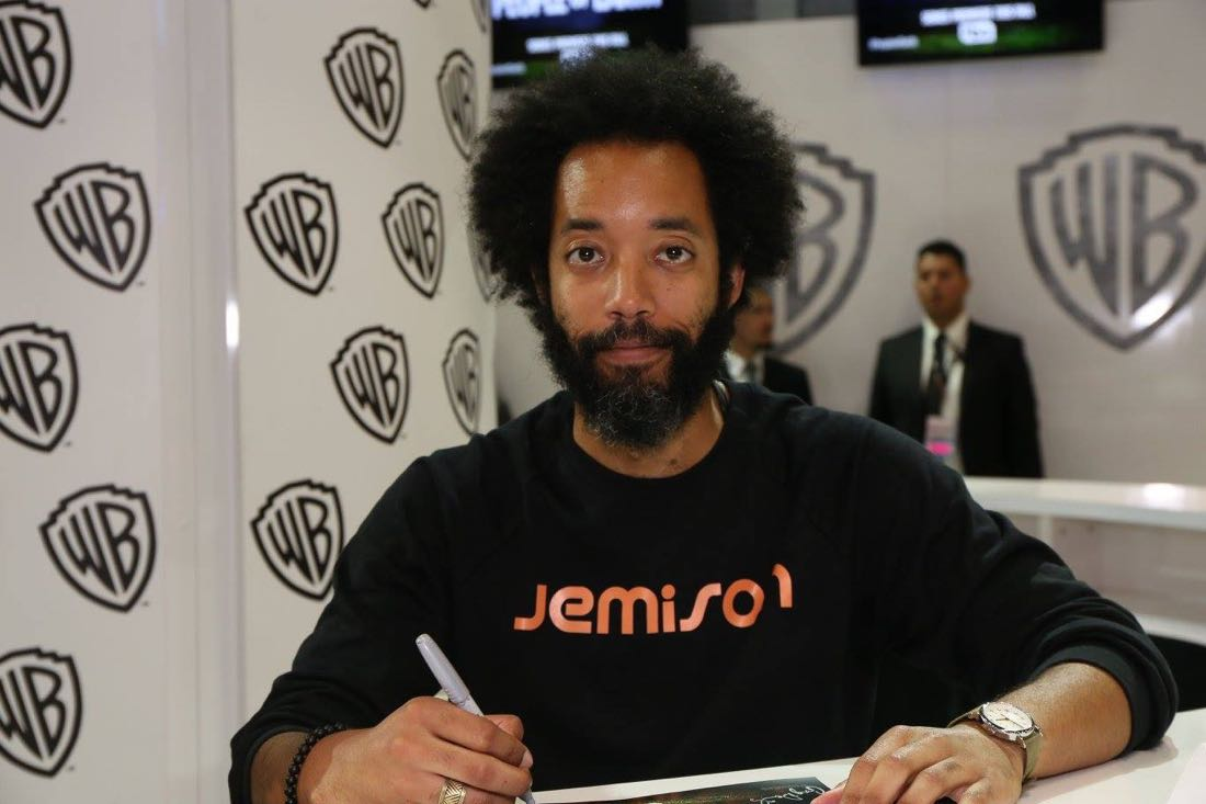 PEOPLE OF EARTH star Wyatt Cenac signing for fans in the Warner Bros. booth on Friday, July 22, at Comic-Con 2016. #WBSDCC (© 2016 WBEI. All Rights Reserved.)