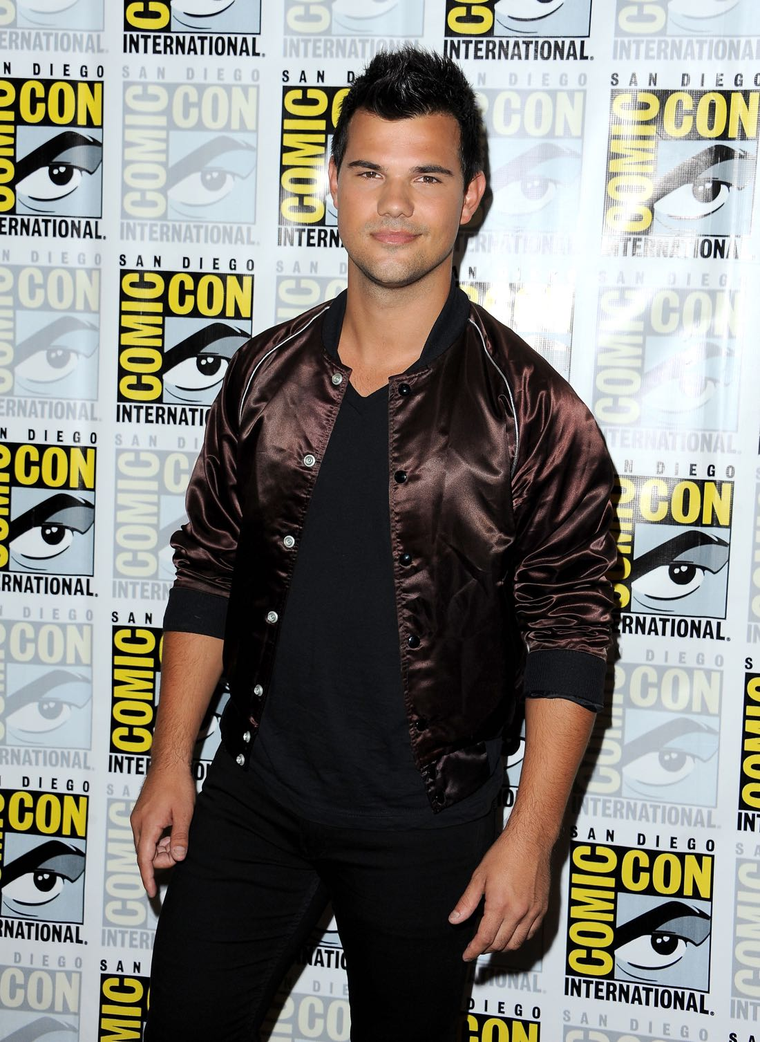 FOX FANFARE AT SAN DIEGO COMIC-CON © 2016: SCREAM QUEENS cast member Taylor Lautner during the SCREAM QUEENS press room on Friday, July 22 at the FOX FANFARE AT SAN DIEGO COMIC-CON © 2016. CR: Scott Krikland/FX © 2016 FOX BROADCASTING