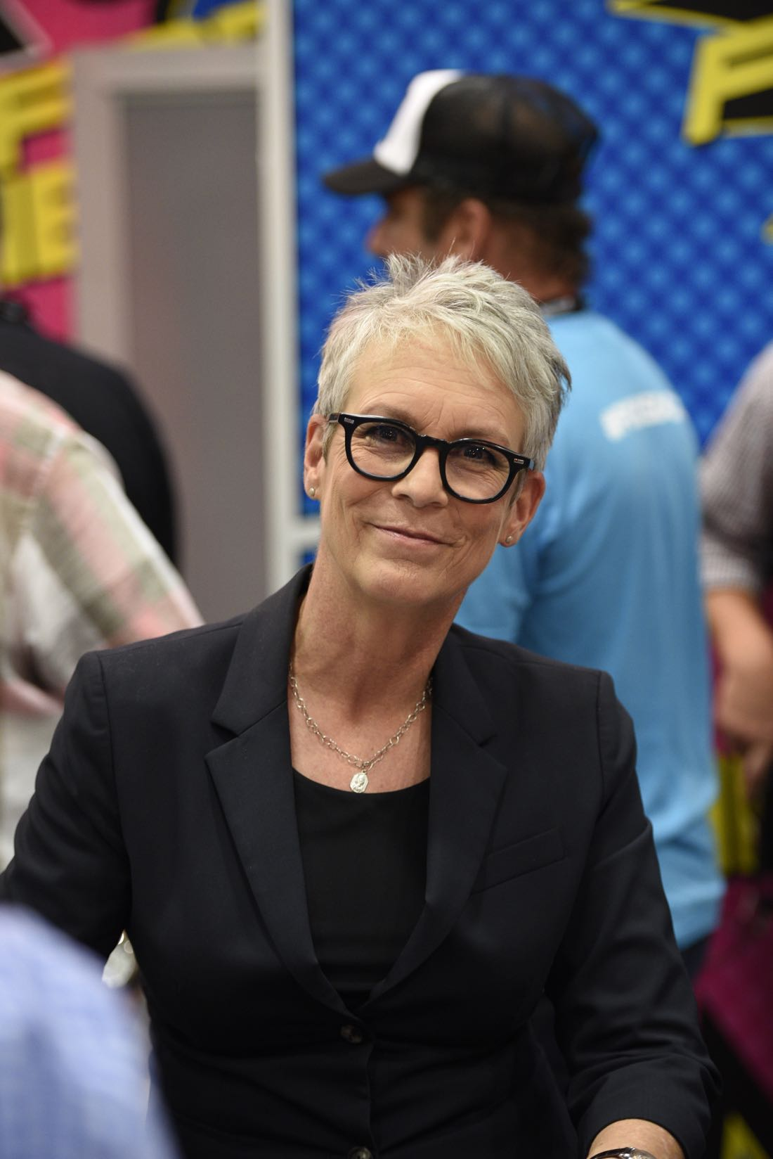 FOX FANFARE AT SAN DIEGO COMIC-CON © 2016: (L-R) Cast Members Jamie Lee Curtis during the SCREAM QUEENS booth signing on Friday, July 22 at the FOX FANFARE AT SAN DIEGO COMIC-CON © 2016. CR: Alan Hess/FOX © 2016 FOX BROADCASTING