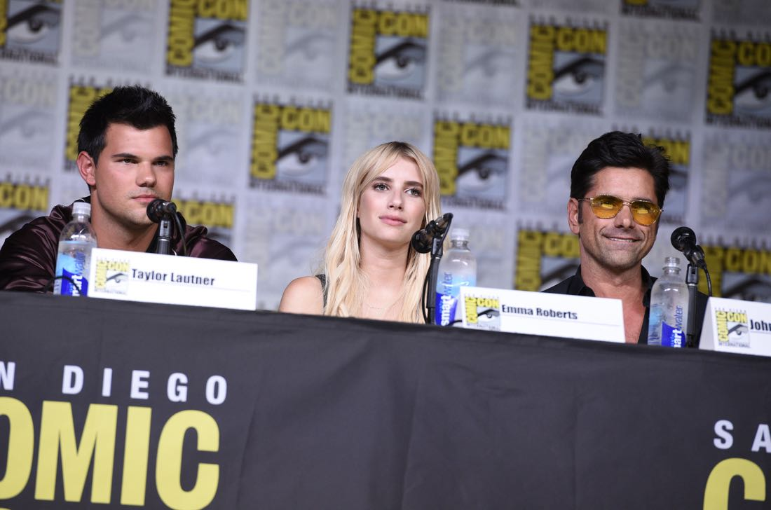 FOX FANFARE AT SAN DIEGO COMIC-CON © 2016: SCREAM QUEENS cast members Taylor Lautner, Emma Roberts and John Stamos during the SCREAM QUEENS panel on Friday, July 22 at the FOX FANFARE AT SAN DIEGO COMIC-CON © 2016. CR: Alan Hess/FOX © 2016 FOX BROADCASTING