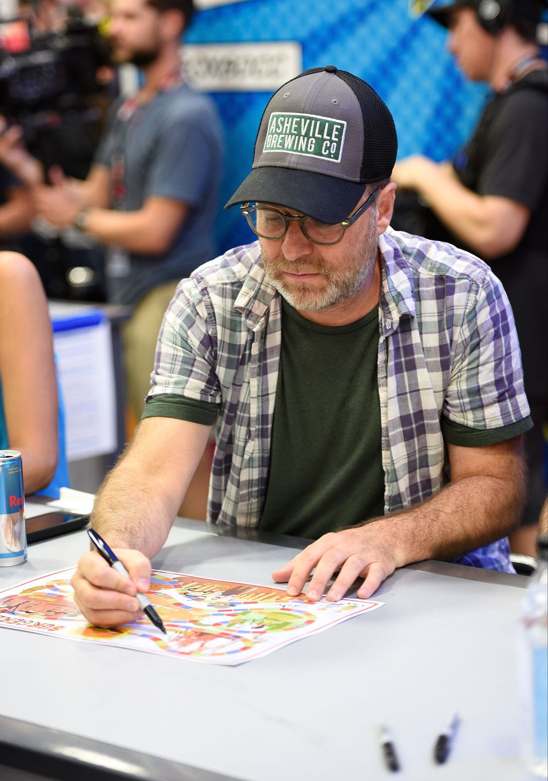 FOX FANFARE AT SAN DIEGO COMIC-CON © 2016: BOB'S BURGERS cast member H. Jon Benjamin during BOB'S BURGERS booth signing on Friday, July 22 at the FOX FANFARE AT SAN DIEGO COMIC-CON © 2016. CR: Alan Hess/FOX © 2016 FOX BROADCASTING