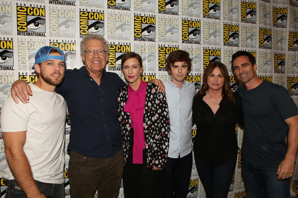 "COMIC-CON INTERNATIONAL: SAN DIEGO 2016 -- ""Bates Motel"" Red Carpet -- Pictured: (l-r) Max Thieriot, Carlton Cuse, Executive Producer; Vera Farmiga, Freddie Highmore, Kerry Ehrin, Executive Producer; Nestor Carbonell, Friday, July 22, 2016, from the Hilton Bayfront, San Diego, Calif. -- (Photo by: Evans Vestal Ward/Universal Television)"