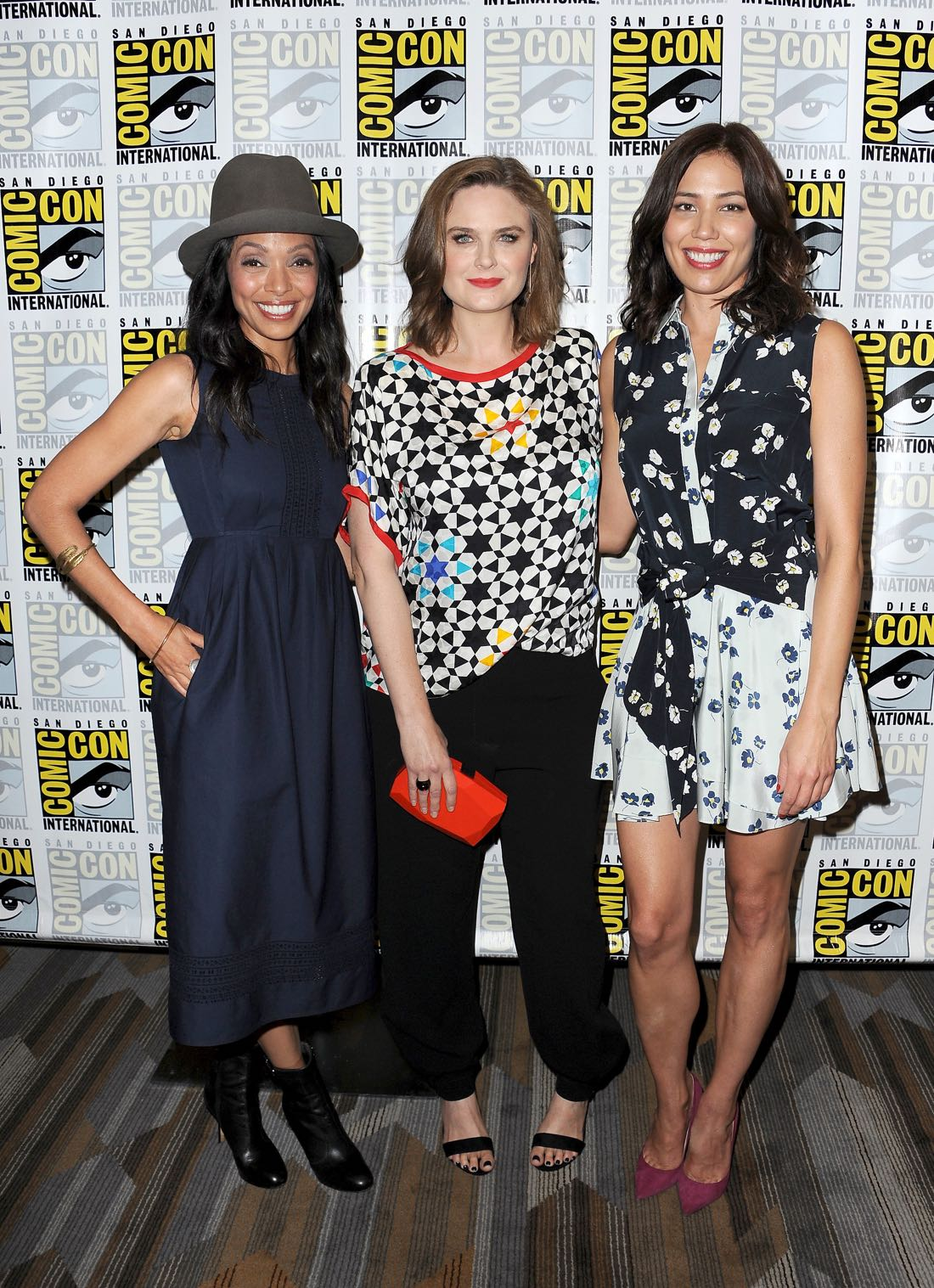 FOX FANFARE AT SAN DIEGO COMIC-CON © 2016: L-R: BONES cast members Tamara Taylor, Emily Deschanel and Michaela Conlin during the BONES press room on Friday, July 22 at the FOX FANFARE AT SAN DIEGO COMIC-CON © 2016. CR: Scott Kirkland/FOX © 2016 FOX BROADCASTING