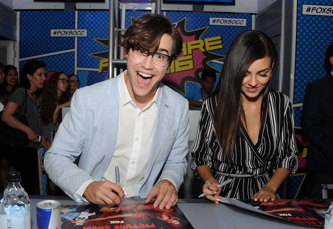 FOX FANFARE AT SAN DIEGO COMIC-CON © 2016: L-R: ROCKY HORROR PICTURE SHOW cast members Ryan McCartan and Victoria Justice during the ROCKY HORROR PICTURE SHOW booth signing on Thursday, July 21 at the FOX FANFARE AT SAN DIEGO COMIC-CON © 2016. CR: Scott Kirkland/FOX © 2016 FOX BROADCASTING