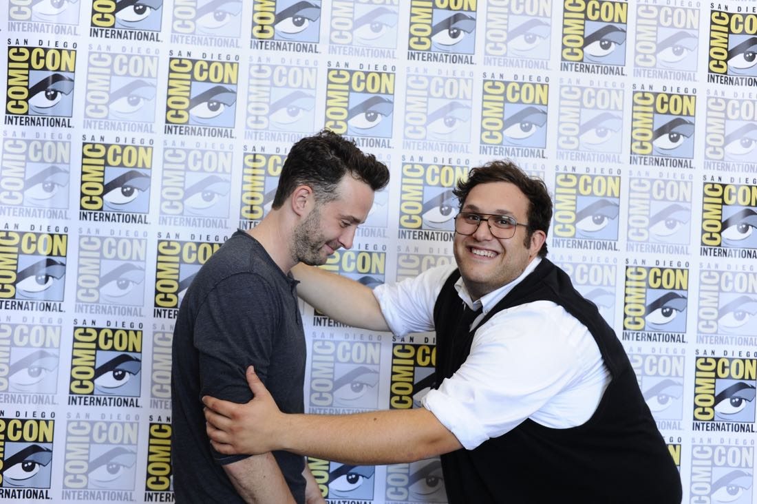 The cast of Scorpion goes live on Facebook with CBS Interactive at COMIC-CON® 2016 in San Diego, California.Pictured: Eddie Kaye Thomas and Ari Stidham Photo: Johnny Vy/CBS ©2016 CBS Broadcasting, Inc. All Rights Reserved