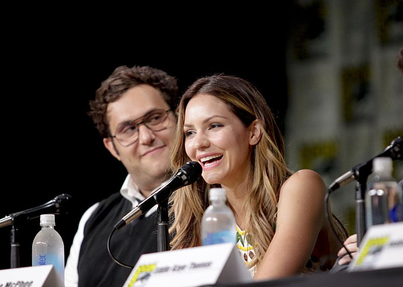 Ari Stidham and Katharine McPhee during the panel discussion moderated by Patrick Gomez from PEOPLE magazine for the CBS series SCORPION at COMIC-CON® 2016 in San Diego, California. Photo: Francis Specker/CBS ©2016 CBS Broadcasting, Inc. All Rights Reserved