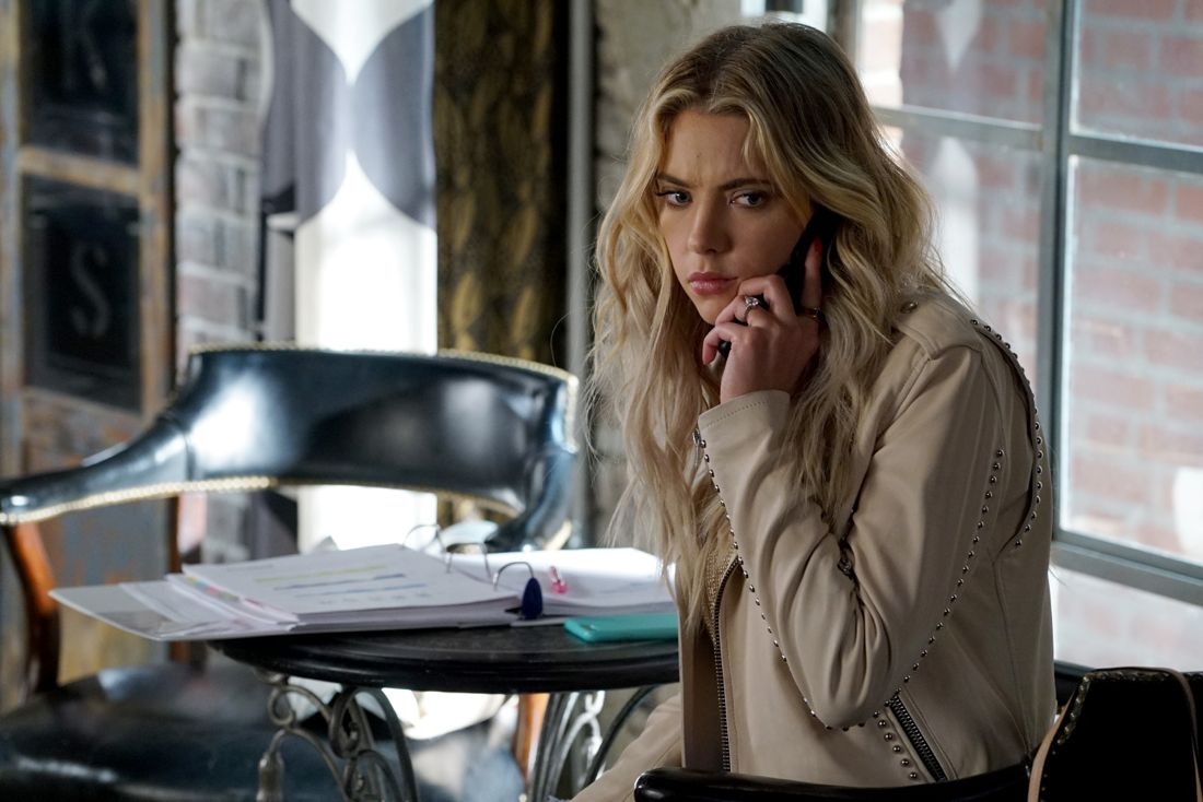 """PRETTY LITTLE LIARS - """"Wanted: Dead or Alive"""" - As the police gain new leads in Rollins' disappearance, the Liars wonder if he really is dead while someone else meets his/her end, in """"Wanted: Dead or Alive,"""" an all-new episode of Freeform's hit original series """"Pretty Little Liars,"""" airing TUESDAY, AUGUST 2 (8:00-9:00 p.m. EDT). (Freeform/Eric McCandless) ASHLEY BENSON"""
