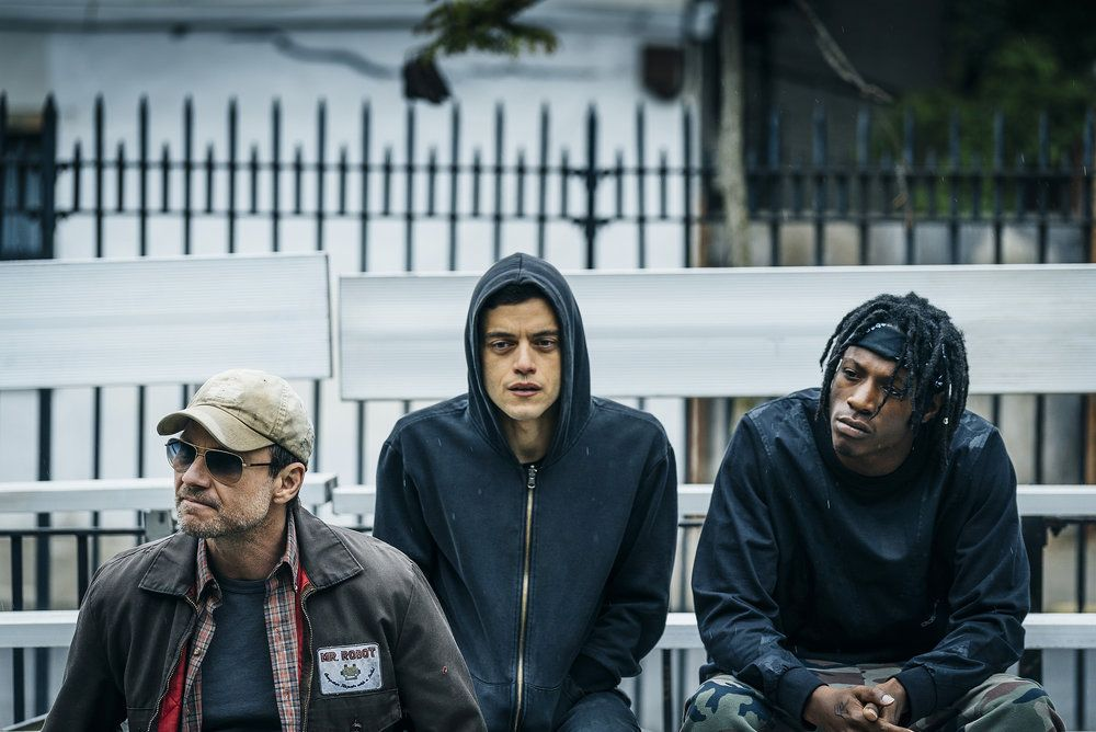 "MR. ROBOT -- ""eps2.1_k3rnel%u2010pan1c.ksd"" Episode 203 -- Pictured: (l-r) -- (Photo by: Michael Parmelee/USA Network)"