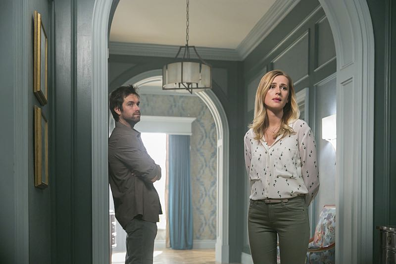 AMERICAN GOTHIC Season 1 Episode 5 Photos The Artist in His Museum 28