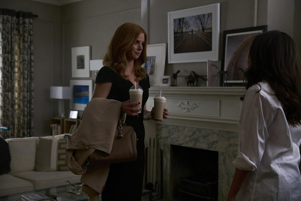 """SUITS --  """"Accounts Payable"""" -- Pictured: Sarah Rafferty as Donna Paulsen -- (Photo by: Shane Mahood/USA Network)"""