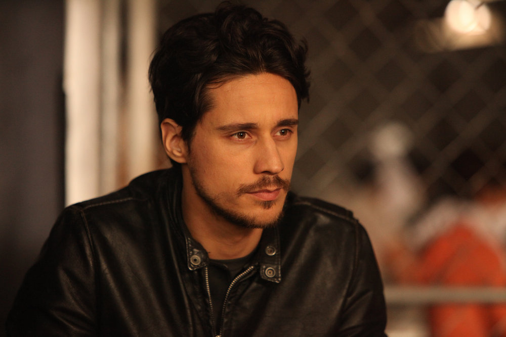 """QUEEN OF THE SOUTH -- """"Lirio de lo Valles"""" Episode 104 -- Pictured:  Peter Gadiot as James Valdez -- (Photo by: Bill Matlock/USA Network)"""