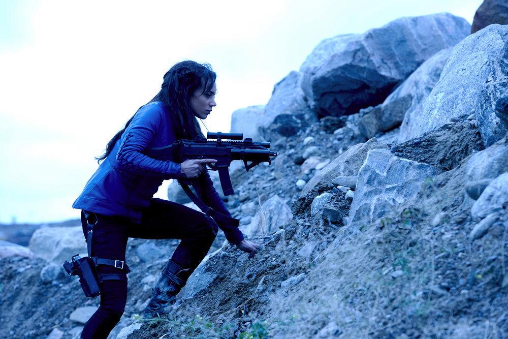 KILLJOYS -- Episode 203 -- Pictured: Hannah John-Kamen as Dutch -- (Photo by: Steve Wilkie/Syfy/Killjoys II Productions Limited)