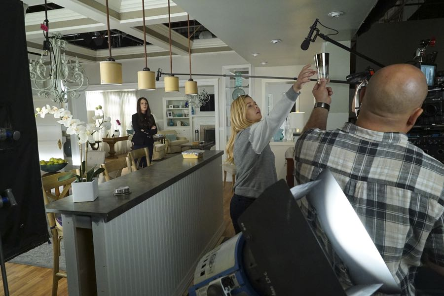 """PRETTY LITTLE LIARS - """"Along Comes Mary"""" - A mutual enemy draws two of the Liars' adversaries together to stir up trouble in """"Along Comes Mary,"""" an all-new episode of Freeform's hit original series """"Pretty Little Liars,"""" airing TUESDAY, JULY 19 (8:00-9:00 p.m. EDT). (Freeform/Byron Cohen) ANDREA PARKER, SASHA PIETERSE"""
