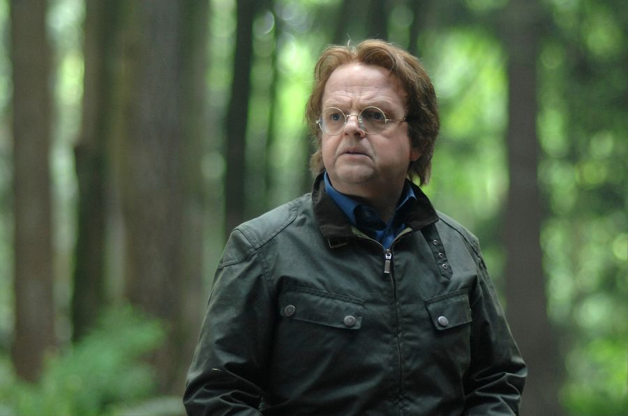 "WAYWARD PINES: Guest star Toby Jones in the ""Time Will Tell"" episode of WAYWARD PINES airing Wednesday, July 6 (9:00-10:00 PM ET/PT) on FOX. ©2016 Fox Broadcasting Co. Cr: Sergei Bachlakov/FOX"
