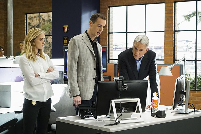 """""""Rogue"""" -- The NCIS team investigates a deadly car explosion in D.C. that connects to NCIS Special Agent Nicholas """"Nick"""" Torres (Wilmer Valderrama), who disappeared six months ago while on a deep undercover assignment in Argentina. Also, Gibbs asks NCIS Special Agent Alexandra """"Alex"""" Quinn (Jennifer Esposito) to shadow his team after rejecting eight agents she instructed and referred for the open position, on the 14th season premiere of NCIS, Tuesday, Sept. 20 (8:00-9:00 PM, ET/PT), on the CBS Television Network. Pictured: Emily Wickersham, Sean Murray, Mark Harmon.  Photo: Bill Inoshita/CBS ©2016 CBS Broadcasting, Inc. All Rights Reserved"""
