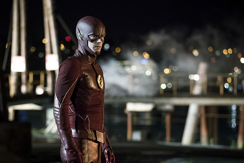 """The Flash -- """"Flashpoint"""" -- Image: FLA301a_0079b.jpg -- Pictured: Grant Gustin as The Flash -- Photo: Katie Yu/The CW -- © 2016 The CW Network, LLC. All rights reserved."""