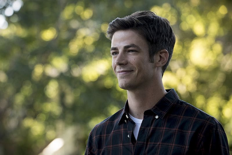 """The Flash -- """"Flashpoint"""" -- Image: FLA301a_0032b.jpg -- Pictured: Grant Gustin as Barry Allen -- Photo: Katie Yu/The CW -- © 2016 The CW Network, LLC. All rights reserved."""