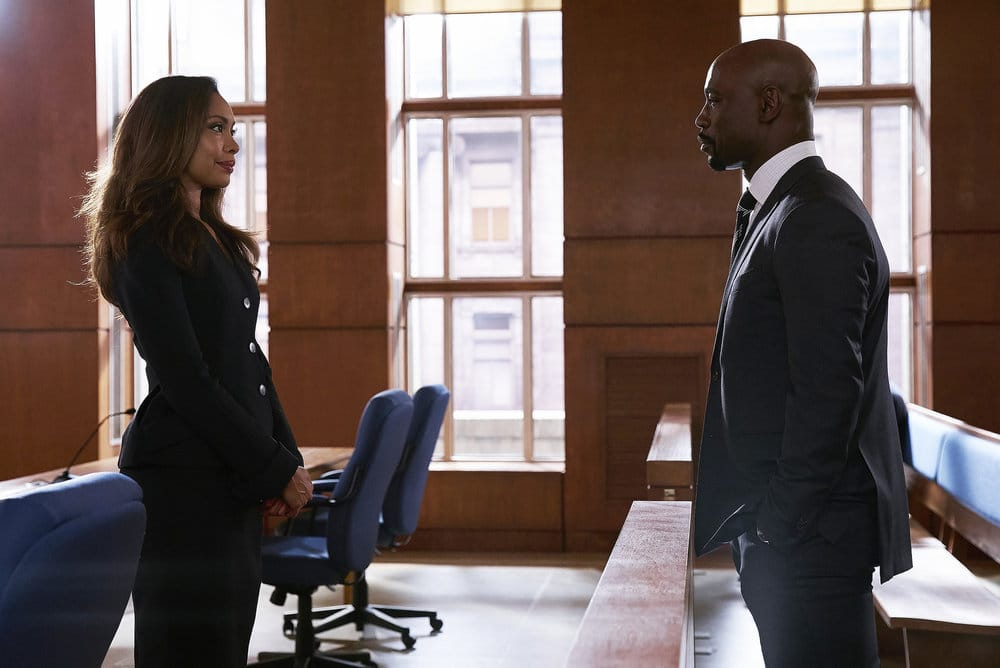 """SUITS -- """"Borrowed Time"""" Episode 608 -- Pictured: (l-r) Gina Torres as Jessica Pearson, D.B. Woodside as Jeff Malone -- (Photo by: Shane Mahood/USA Network)"""