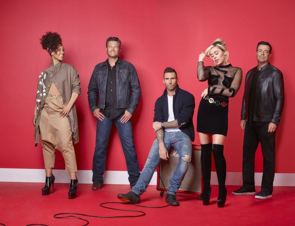 THE VOICE -- Season: 11 -- Pictured: (l-r) Alicia Keys, Blake Shelton, Adam Levine, Miley Cyrus, Carson Daly -- (Photo by: Michael Muller/NBC)