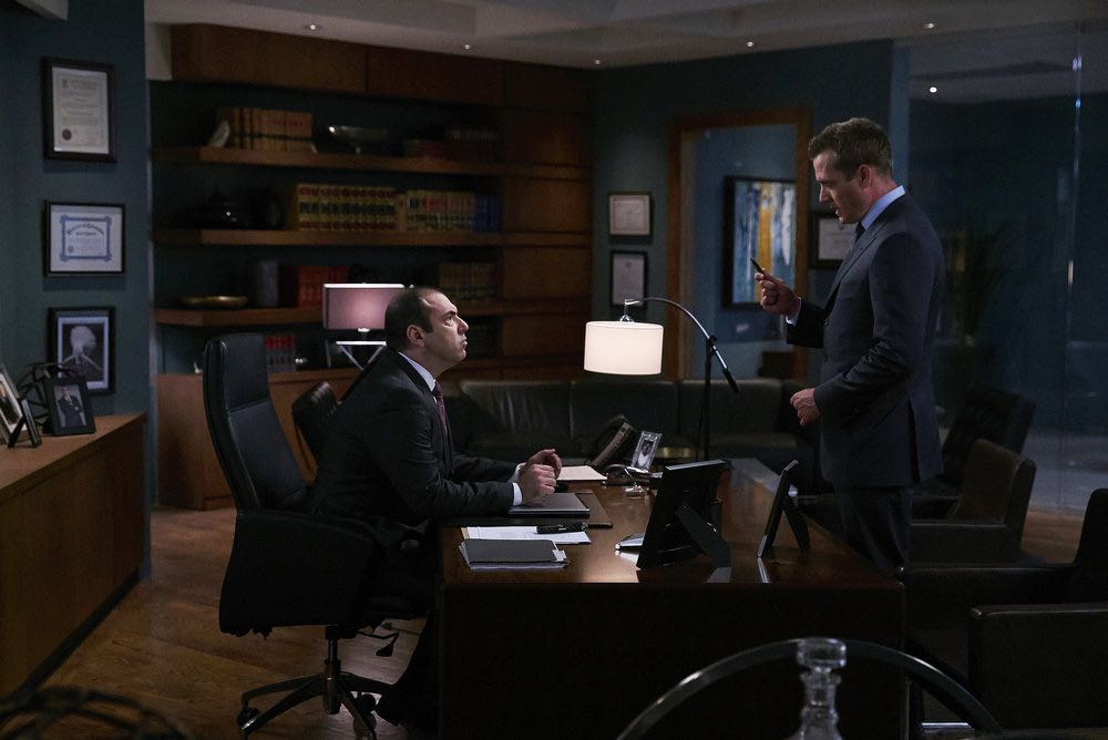 """SUITS -- """"Shake the Trees"""" Episode 607 -- Pictured: (l-r) Rick Hoffman as Louis Litt, Gabriel Macht as Harvey Specter -- (Photo by: Shane Mahood/USA Network)"""