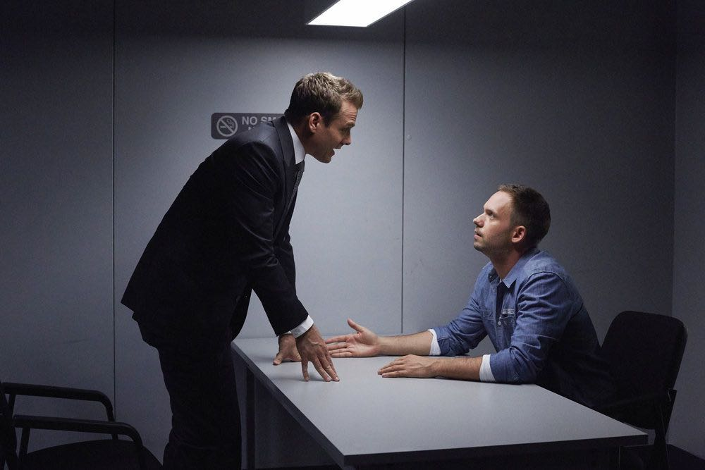 """SUITS -- """"Shake the Trees"""" Episode 607 -- Pictured: (l-r) Gabriel Macht as Harvey Specter, Patrick J. Adams as Michael Ross -- (Photo by: Shane Mahood/USA Network)"""