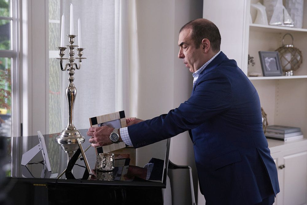 """SUITS -- """"Spain"""" Episode 606 -- Pictured: Rick Hoffman as Louis Litt -- (Photo by: Shane Mahood/USA Network)"""