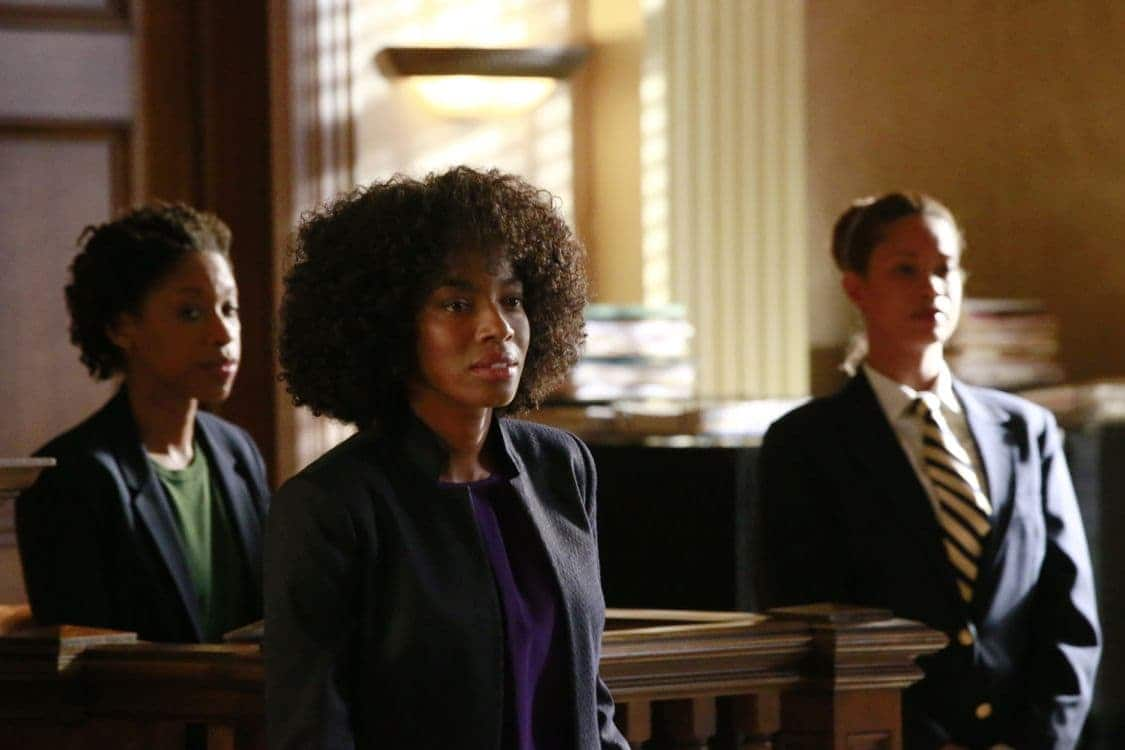 """HOW TO GET AWAY WITH MURDER - """"Always Bet Black"""" - Annalise presents her class with a high-profile murder case that pushes even the Keating 5's morals, while Laurel makes a shocking discovery through an unlikely source, on """"How to Get Away with Murder,"""" THURSDAY, OCTOBER 6 (10:00-11:00 p.m. EDT), on the ABC Television Network. (ABC/Mitch Haaseth) AMBER FRIENDLY, MILUANA JACKSON"""