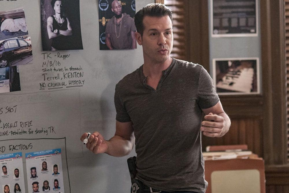"""CHICAGO P.D. -- """"Big Friends Big Enemies"""" Episode 403 -- Pictured: Jon Seda as Antonio Dawson -- (Photo by: Matt Dinerstein/NBC)"""