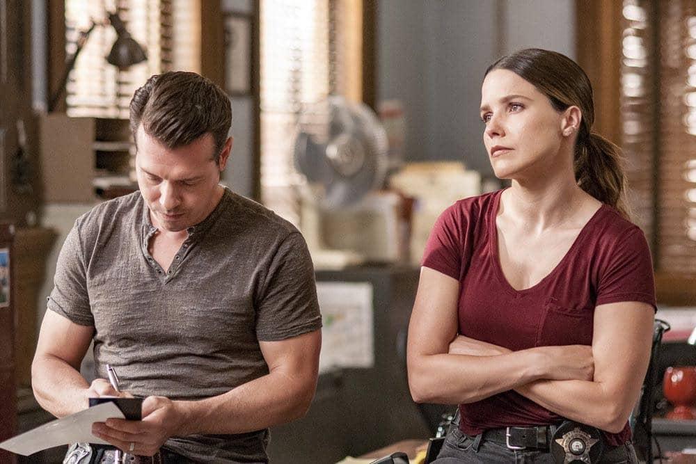 "CHICAGO P.D. -- ""Big Friends Big Enemies"" Episode 403 -- Pictured: (l-r) Jon Seda as Antonio Dawson, Sophia Bush as Erin Lindsay -- (Photo by: Matt Dinerstein/NBC)"