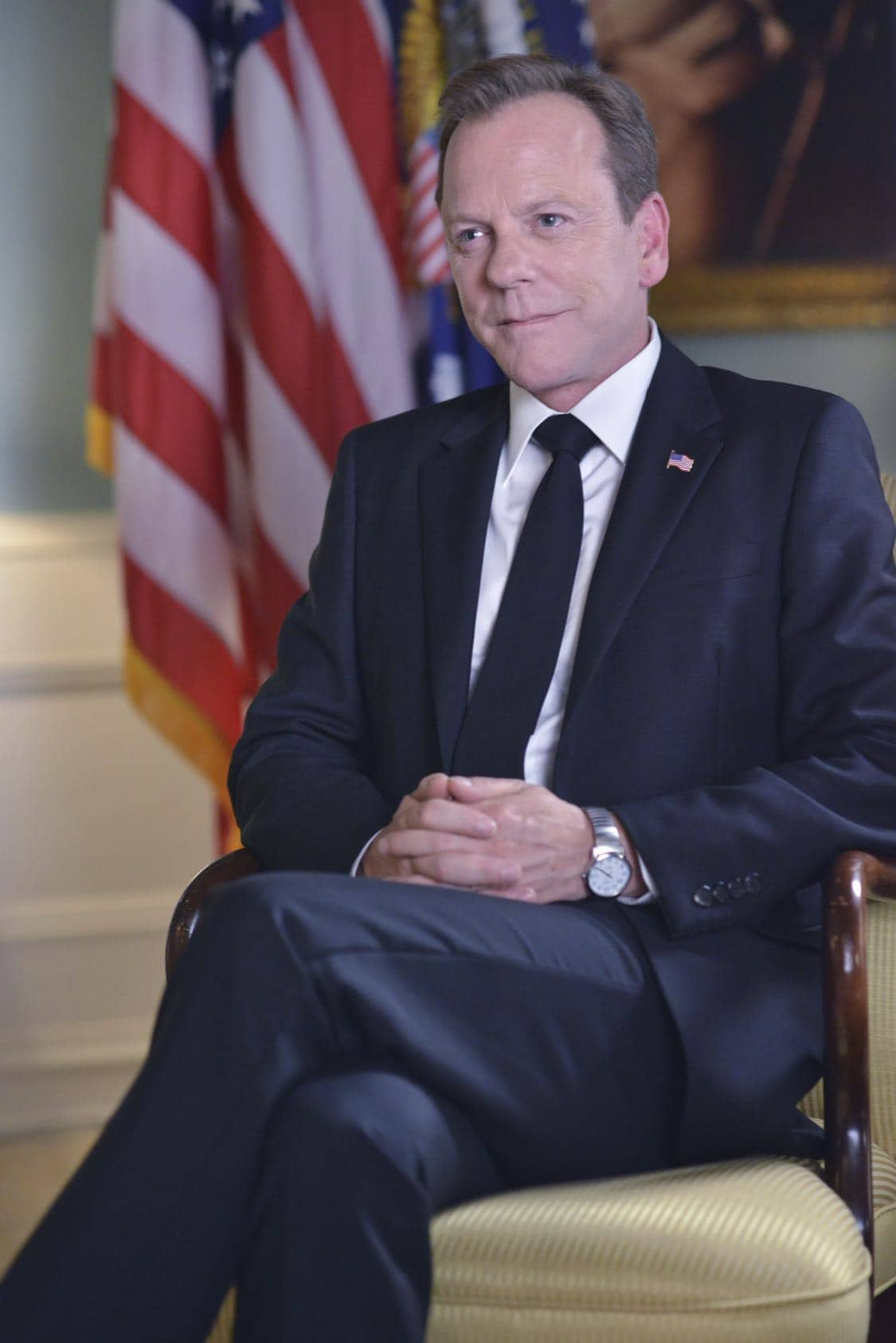 """DESIGNATED SURVIVOR - """"The Confession"""" – President Kirkman and his staff work to keep a high-level security breach of the White House a secret just as he's about to give his first television interview. Meanwhile, the FBI continues to investigate the Capitol bombing, and Agent Hannah Wells starts to develop her own theories about who was really behind the attack, on ABC's """"Designated Survivor,"""" WEDNESDAY, OCTOBER 5 (10:00—11:00 p.m. EDT). (ABC/Sven Frenzel) KIEFER SUTHERLAND"""