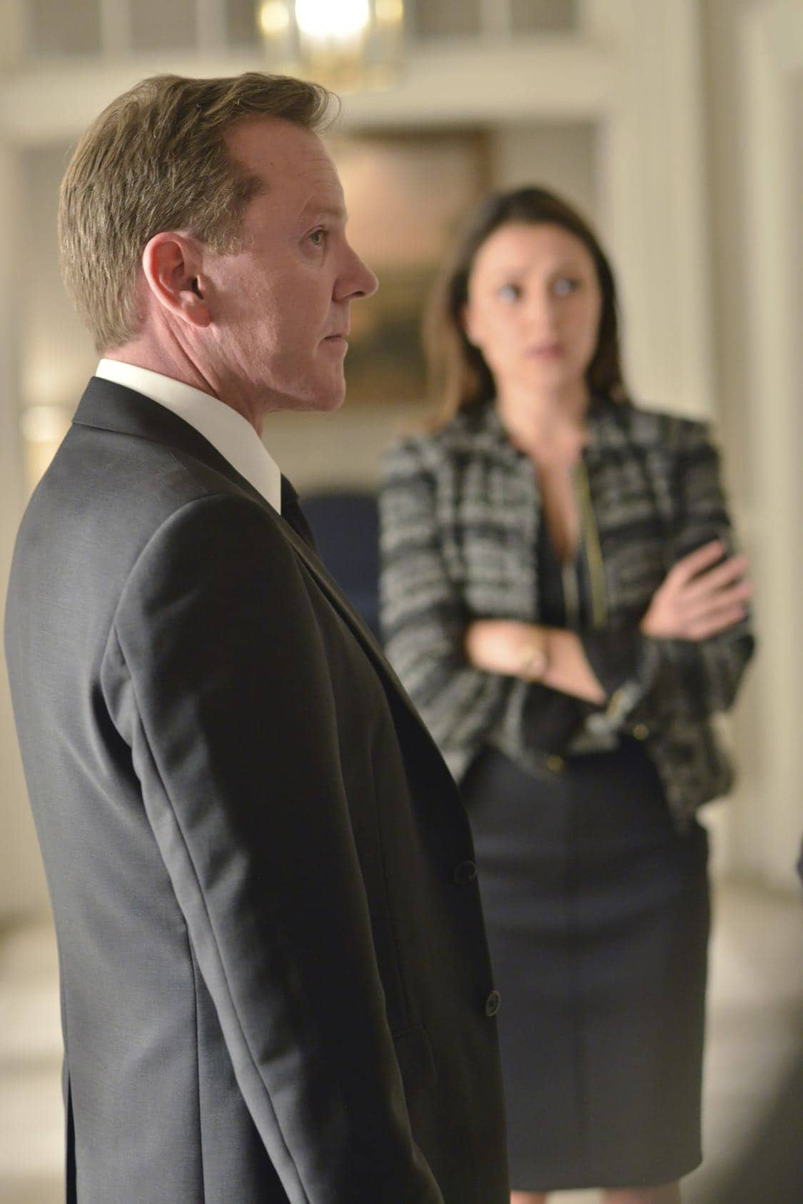 "DESIGNATED SURVIVOR - ""The Confession"" – President Kirkman and his staff work to keep a high-level security breach of the White House a secret just as he's about to give his first television interview. Meanwhile, the FBI continues to investigate the Capitol bombing, and Agent Hannah Wells starts to develop her own theories about who was really behind the attack, on ABC's ""Designated Survivor,"" WEDNESDAY, OCTOBER 5 (10:00—11:00 p.m. EDT). (ABC/Sven Frenzel) KIEFER SUTHERLAND"