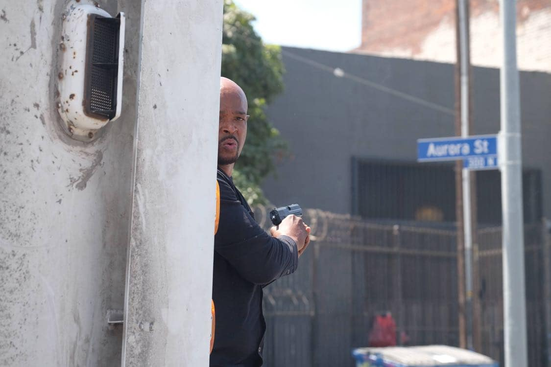 """LETHAL WEAPON: Damon Wayans in the """"Best Buds"""" episode of LETHAL WEAPON airing Wednesday, Oct. 5 (8:00-9:00 PM ET/PT) on FOX. ©2016 Fox Broadcasting Co. CR: Darren Michaels/FOX"""