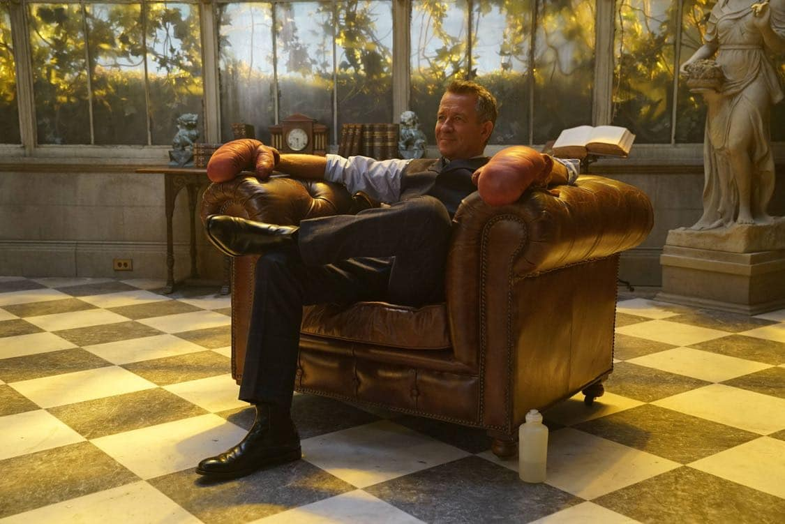 """GOTHAM: Sean Pertwee in the""""Mad City: Look Into My Eyes"""" episode of GOTHAM airing Monday, Oct. 3 (8:00-9:01 PM ET/PT) on FOX.  ©2016 Fox Broadcasting Co. Cr: Jessica Miglio/FOX."""
