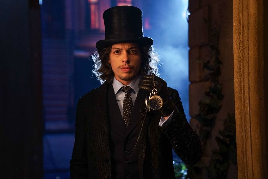 """GOTHAM: Benedict Samuel in the""""Mad City: Look Into My Eyes"""" episode of GOTHAM airing Monday, Oct. 3 (8:00-9:01 PM ET/PT) on FOX.  ©2016 Fox Broadcasting Co. Cr: Jessica Miglio/FOX."""