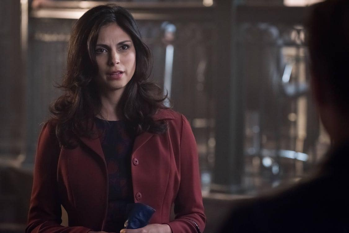 """GOTHAM: Morena Baccarin in the""""Mad City: Look Into My Eyes"""" episode of GOTHAM airing Monday, Oct. 3 (8:00-9:01 PM ET/PT) on FOX.  ©2016 Fox Broadcasting Co. Cr: Jeff Neumann/FOX."""