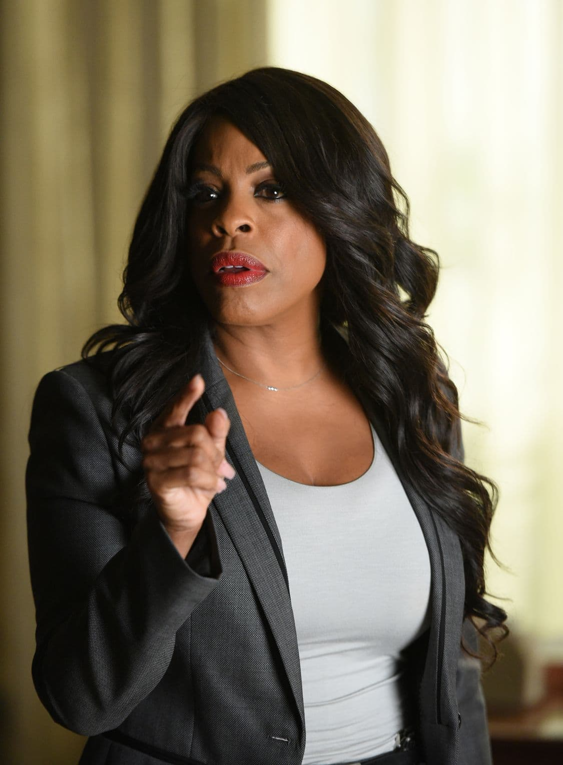 "SCREAM QUEENS: Niecy Nash in the all-new ""Handidates"" episode of SCREAM QUEENS airing Tuesday, Oct. 11 (9:01-10:00 PM ET/PT) on FOX. Cr: Michael Becker / FOX. © 2016 FOX Broadcasting Co."