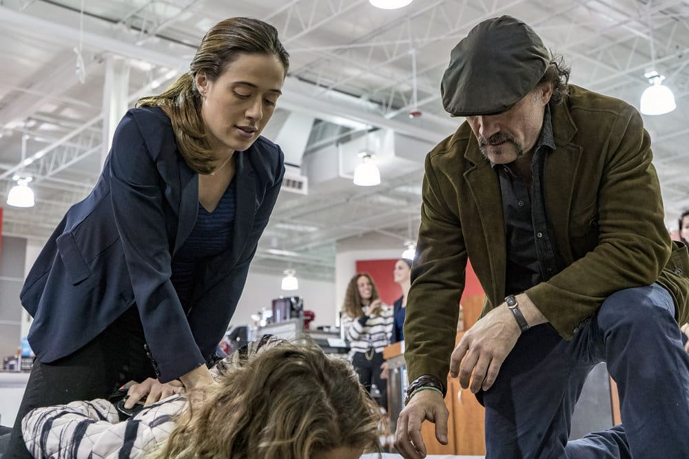 """CHICAGO P.D. -- """"All Cylinders Firing"""" Episode 403 -- Pictured: (l-r) Marina Squerciati as Kim Burgess, Elias Koteas as Alvin Olinsky -- (Photo by: Matt Dinerstein/NBC)"""