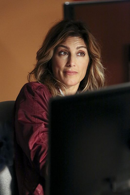 """""""Being Bad"""" -- NCIS uncovers a bomb plot and a long-running theft ring while investigating a death at a Quantico reunion. Also Torres and Quinn adjust to life on Gibbs' team, including new seating arrangements in the squad room, on NCIS, Tuesday, Sept. 27 (8:00-9:00, ET/PT), on the CBS Television Network. Pictured: Jennifer Esposito. Photo: Patrick McElhenney/CBS ©2016 CBS Broadcasting, Inc. All Rights Reserved"""