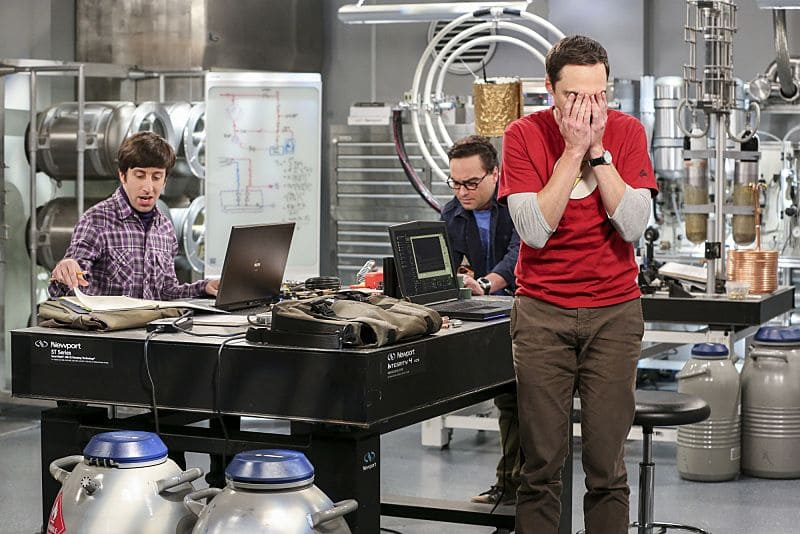 """The Dependence Transcendence"" -- Pictured: Howard Wolowitz (Simon Helberg), Leonard Hofstadter (Johnny Galecki) and Sheldon Cooper (Jim Parsons). Tensions rise when the boys struggle to complete their government project on time and Sheldon tries an energy drink to stay awake. Also, Penny and Amy go to a ""party"" at Bert (Brian Posehn) the geologist's house and Kooothrappali learns Bernadette's true feelings about her pregnancy when they clean out the future baby room, on THE BIG BANG THEORY, Monday, Oct. 3 (8:00-8:31 PM, ET/PT), on the CBS Television Network. Dean Norris returns as Air Force Representative Colonel Williams. Photo: Michael Yarish/Warner Bros. Entertainment Inc. © 2016 WBEI. All rights reserved."